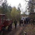 В Олевському районі поліцейські затримали 12 нелегальних бурштиношукачів