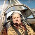В Житомире на мотопланере поднялся в воздух экипаж из двух человек общим возрастом 164 года