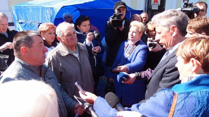 На Житомирщині  вимоги ОПОЗИЦІЙНОГО БЛОКУ підтримали вже близько 5 тисяч учасників акції «Борімося разом - разом переможемо!»