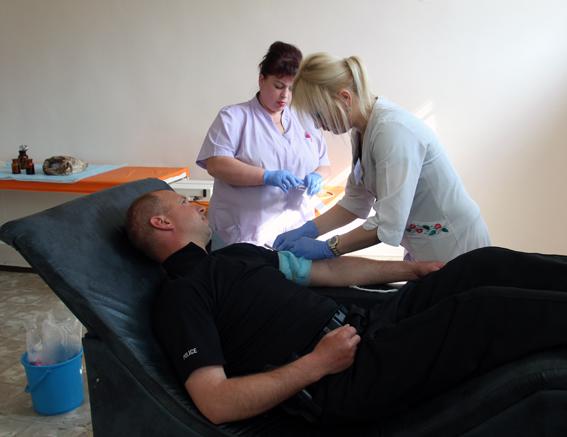 У Житомирі понад півсотні поліцейських здавали кров