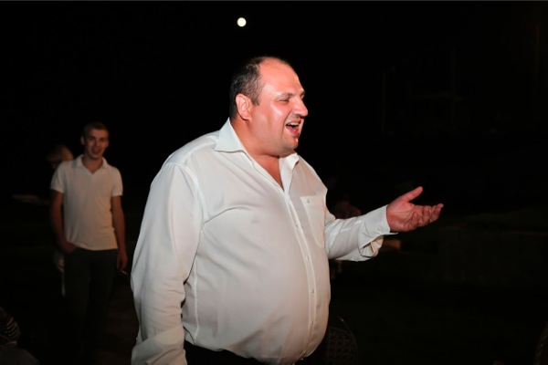 Чи зроблять депутати житомирської обласної ради бурштиновий подарунок на іменини депутата-олігарха?