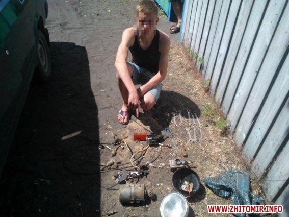 У Житомирській області 16-річний хлопець вкрав мотоцикл і втопив його в ставку