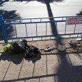 Обличчя Житомира: містяни засипають сміттям зупинку громадського транспорту
