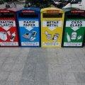 На майдані Соборному встановили контейнери для роздільного збору сміття