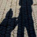 У Новограді-Волинському невдале падіння на тротуарі під час пустощів ледь не коштувало 8-річному хлопчику життя