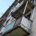 У Коростені 37-річний чоловік випав з балкону третього поверху
