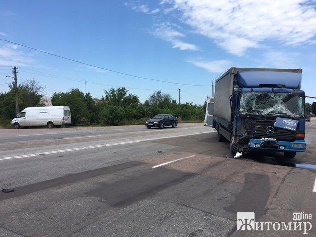 Знову аварія при виїзді з Житомира. ФОТО