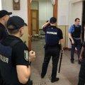 Моторошні крики і закривавлені люди: У Мережі з'явилося відео штурму психлікарні у Львові. ВІДЕО