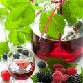 Житомирянка поділилася рецептом ягідної настоянки з корицею
