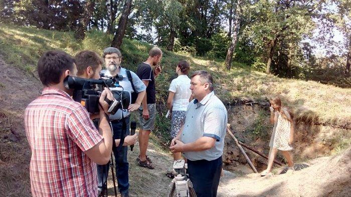 В Олевську археологи розкопали криницю, якій понад 1000 років.ФОТО