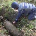 Авіаційну бомбу знайшли на полі у Романівському районі