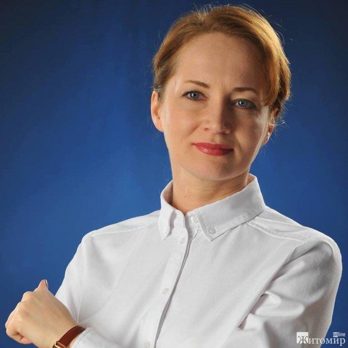 Олена Орлова вітає з Днем вчителя