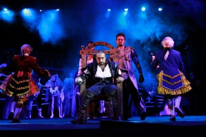 У Житомирі ввечері продовжиться святкове відкриття 74-го театрального сезону. ФОТО