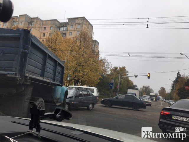 У Житомирі - знову ДТП. ФОТО