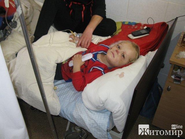 В Коростенском районе мать зверски избила своего двухлетнего сына: сломана переносица, все тело в синяках. ФОТО