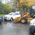 На перехресті у Житомирі Mercedes в'їхав у трактор