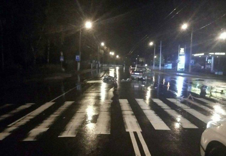 На Покровській в Житомирі скутер в'їхав у «Жигулі», є постраждалі
