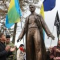 Житомирський пам'ятник Олегу Ольжичу хочуть передати на баланс КП «Зеленбуд»