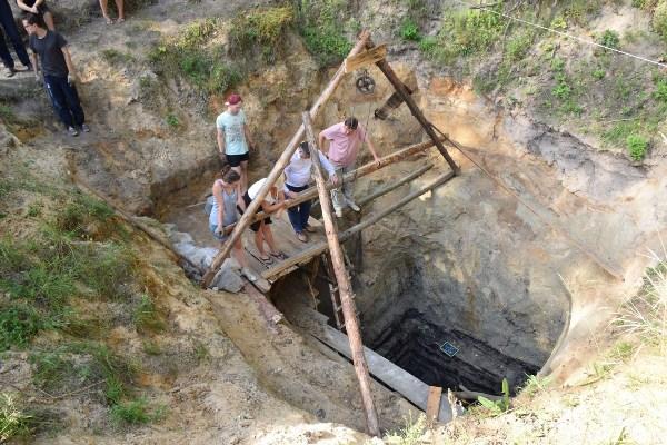 Найстаріший в Україні тисячолітній колодязь, який розкопали на Житомирщині, хочуть зробити туристичним об'єктом