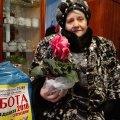 """Редакція газети """"Субота"""" вже доставила подарунки двом передплатницям із Коростеня"""