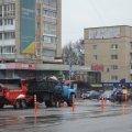 """Ями на дорогах у центрі Житомира """"латають"""" зрізаним розігрітим асфальтом"""