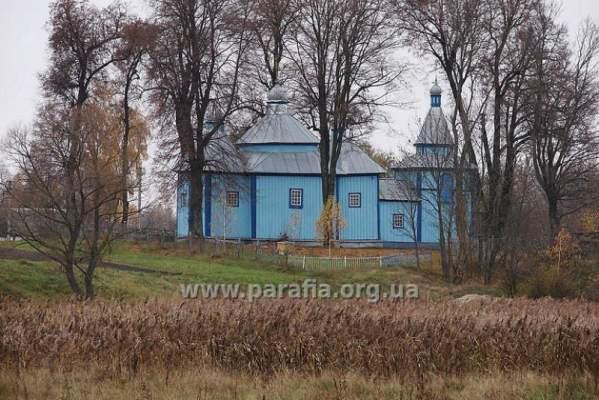 Храм що на Житомирщині із двохсотрічною історією - лише в такій тиші можна повністю розчути своє живе серце