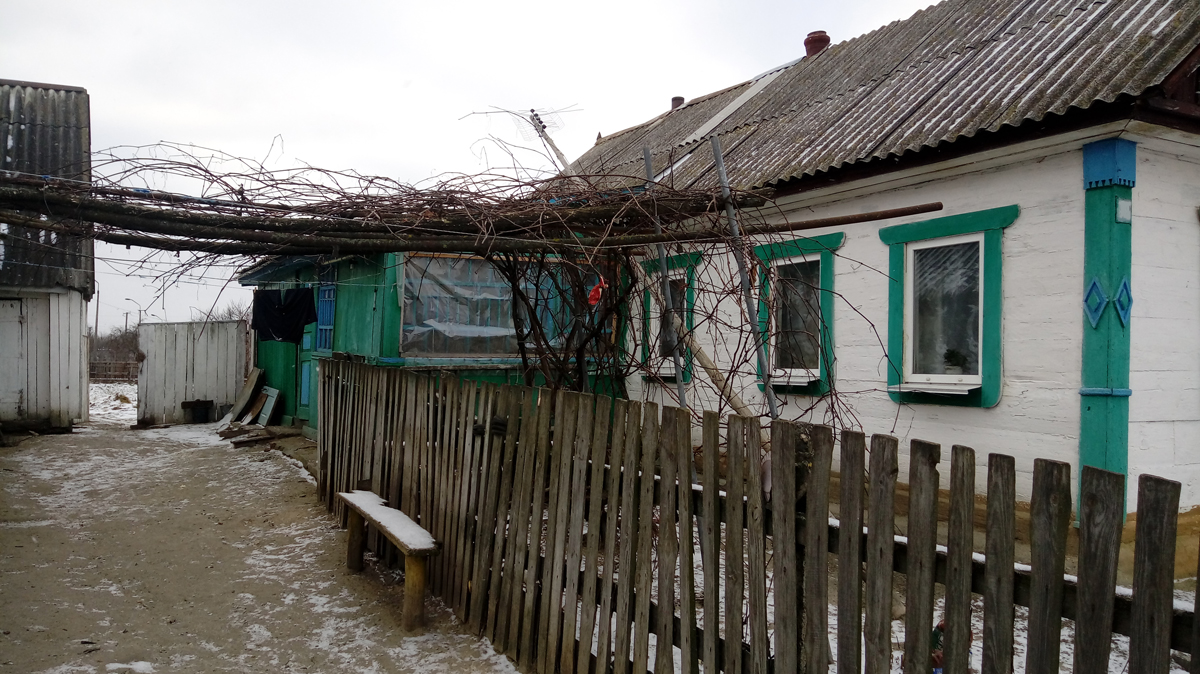 В Радомишльському районі 38-річний чоловік ножем поранив двох односельчан