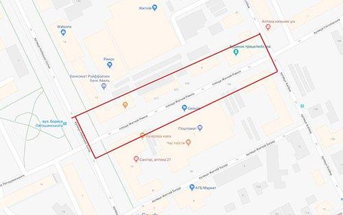 Головний архітектор планує освітити Житній ринок і зробити площу пішохідною. ФОТО