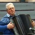 Баяніст із Бердичева, який 30 років тому втратив зір, самостійно на слух вчить і обробляє музичні твори. ВІДЕО