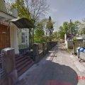Художня школа у Житомирі потерпає від сусідства зі сміттєвими баками. ФОТО