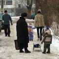 Житомиряни хочуть врятувати маленького хлопчика, якого б'ють. ФОТО