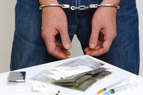 На Житомирщині правоохоронці виявили у 22-річного перехожого наркотики