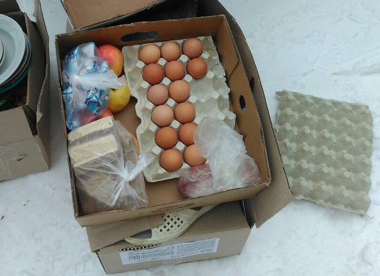 На Житомирщині правоохоронці затримали працівницю шкільної їдальні, коли та вивозила вкрадені продукти велосипедом