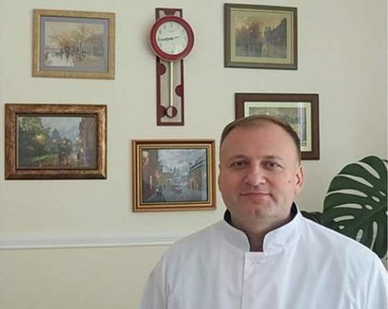 Житомирський лікар вишиває неймовірні картини, які важко іноді відрізнити від фотографії
