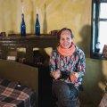 """Проект """"Ukraїner"""" завітав до Каті Мізіної, яка придбала хату на хуторі в Житомирській області. ВІДЕО"""