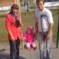 У Романові від 26-річної дівчини хочуть забрати доньку, бо вона зрадила чоловіка. ФОТО