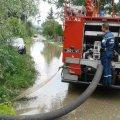 На Житомирщині рятувальники відкачали воду з приватного двору