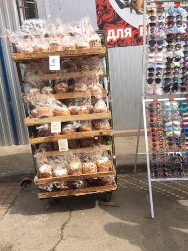 По чому паски на Житньому ринку у Житомирі?
