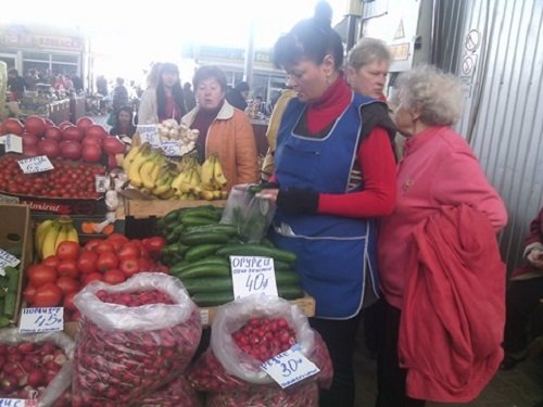 """Весняний моніторинг цін на овочі у Житомирі: ціни """"кусаються"""". ФОТО"""