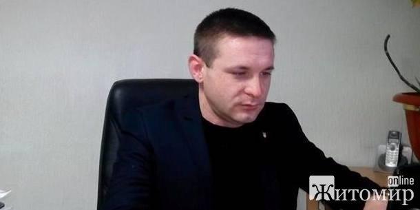 Як депутат Житомирської облради подарував ноутбуки, та забув їх оплатити. ВІДЕО