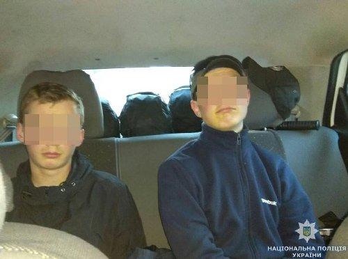 У Житомирі затримали двох школярів, які намагалися пограбувати кафе