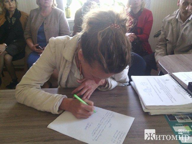 Учням Корчацької школи дозволили залишитись до кінця навчального року
