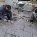Плитку на Михайлівській планують повністю замінити до наступного тижня. ФОТО