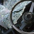 Чергова ДТП на Житомирщині: водій розтрощив свій легковик і на місці події почав розпивати алкоголь