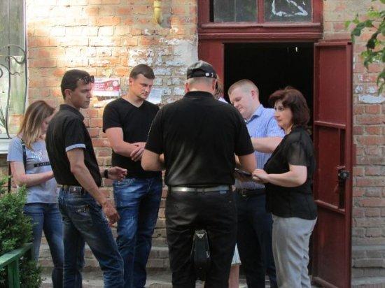 У Бердичеві напередодні Дня перемоги мобільна група провела рейд оселями містян, що заборгували більше 20 тисяч за теплопостачання