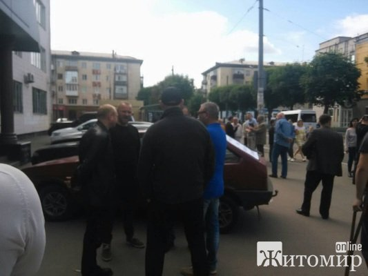 Активісти в Житомирі вимагали аудиту та відставки керівництва  Служби автомобільних доріг