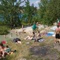Біля Соколовського кар'єру в Житомирі дівчина обікрала трьох відпочивальників