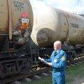 На Житомирщині від митного контролю намагались приховати цілий вагон реактивного палива