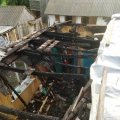 У Житомирському районі через короткочасне замикання електрики зайнявся дах дерев'яного будинку