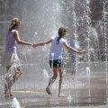 До +33: синоптики обещают жаркий четверг без осадков